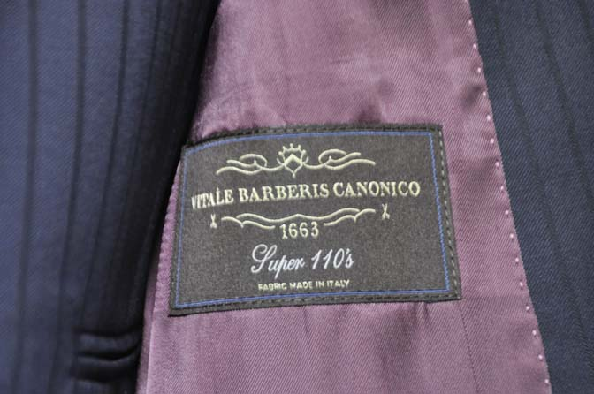 DSC0768-2 お客様のスーツの紹介- CANONICOネイビーストライプ スリーピース-
