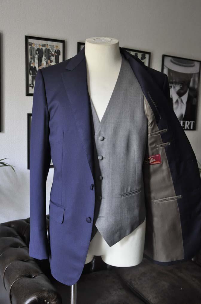 DSC07731 お客様のウエディング衣装の紹介-Biellesi無地ネイビー グレーベスト/グリーンチェックベスト-