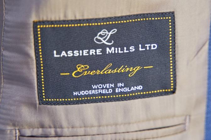 DSC07741 オーダースーツの紹介-LASSIERE MILLSネイビーストライプ スーツ-