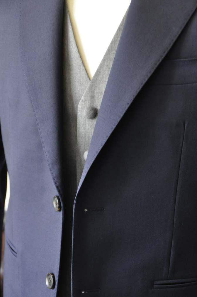DSC0776-3 お客様のウエディング衣装の紹介- Biellesi無地ネイビースーツ ライトグレーベスト-
