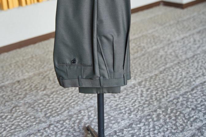 DSC07798 オーダースーツの紹介-LASSIERE MILLSモヘア混カーキ スーツ-