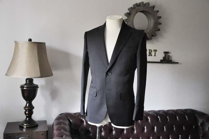 DSC0784-1 お客様のスーツの紹介- Biellesi ブラックスーツ-
