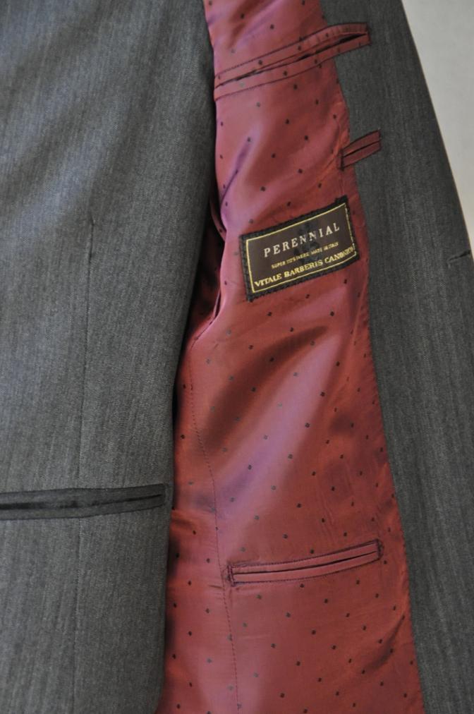 DSC07881 お客様のスーツの紹介-CANONICO グレーヘリンボーン スリーピース- 名古屋の完全予約制オーダースーツ専門店DEFFERT