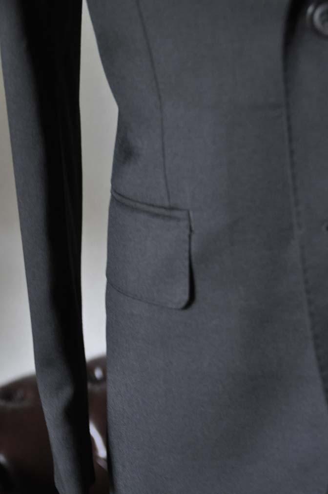 DSC0791-1 お客様のスーツの紹介- Biellesi ブラックスーツ-