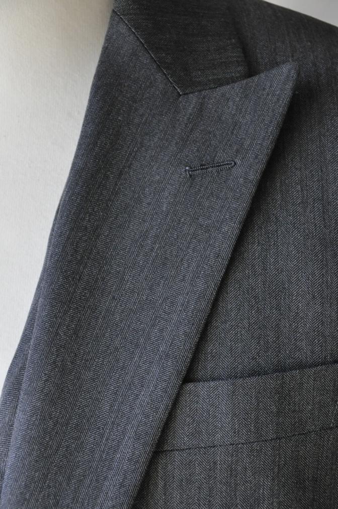 DSC07911 お客様のスーツの紹介-CANONICO グレーヘリンボーン スリーピース- 名古屋の完全予約制オーダースーツ専門店DEFFERT