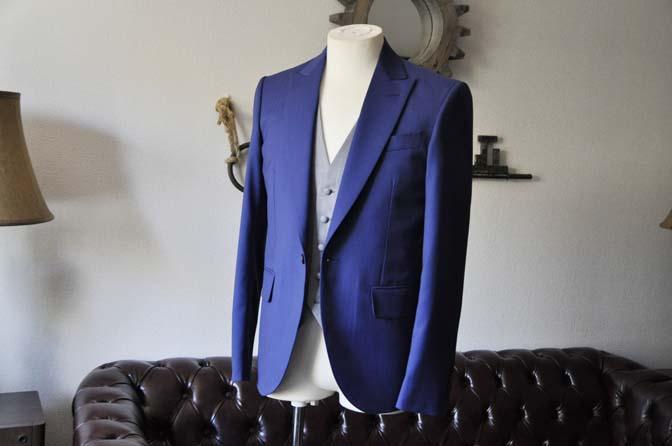DSC0792-1 お客様のウエディング衣装の紹介- Biellesi ネイビーヘリンボーンスーツ グレーグレンチェックベスト-