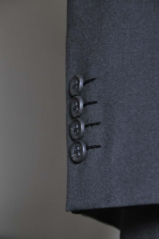 DSC0793-1 お客様のスーツの紹介- Biellesi ブラックスーツ-