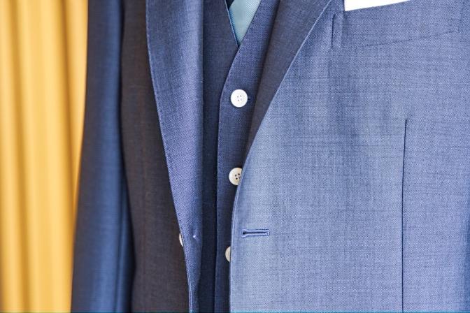 DSC07935 オーダースーツの紹介-LASSIERE MILLS  ネイビーモヘア混スーツ-