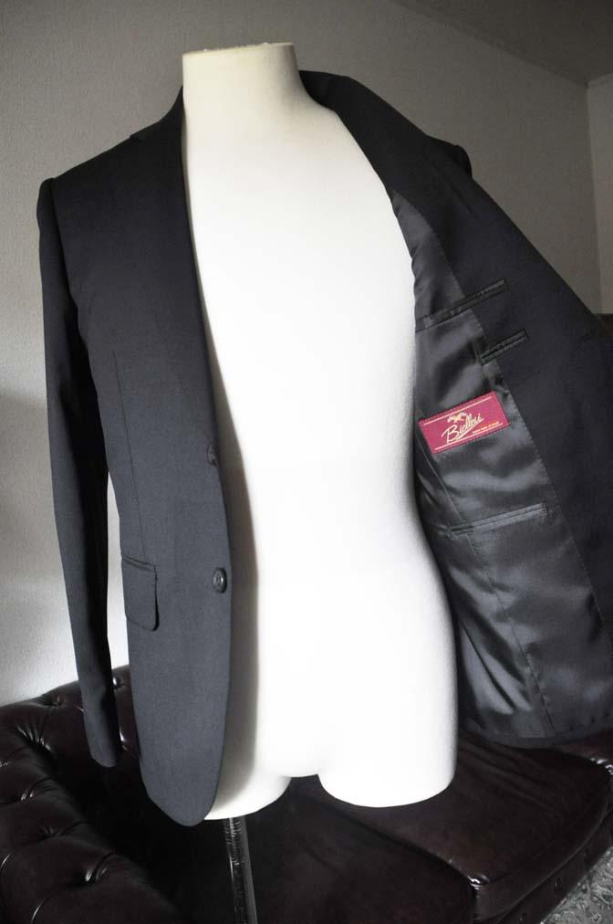 DSC0794-2 お客様のスーツの紹介- Biellesi ブラックスーツ-