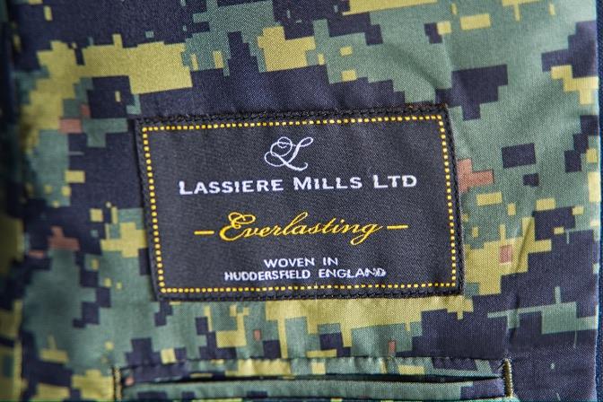 DSC07943 オーダースーツの紹介-LASSIERE MILLS  ネイビーモヘア混スーツ-