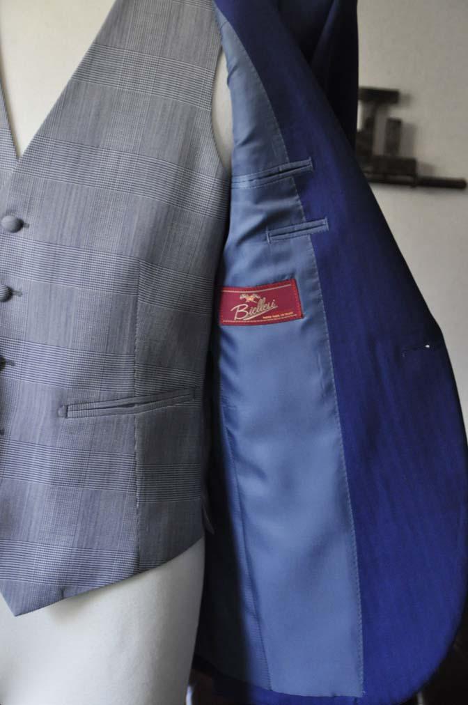 DSC0796-1 お客様のウエディング衣装の紹介- Biellesi ネイビーヘリンボーンスーツ グレーグレンチェックベスト- 名古屋の完全予約制オーダースーツ専門店DEFFERT