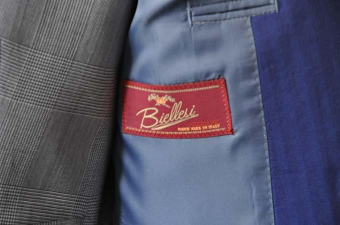 DSC0797-1 お客様のウエディング衣装の紹介- Biellesi ネイビーヘリンボーンスーツ グレーグレンチェックベスト-