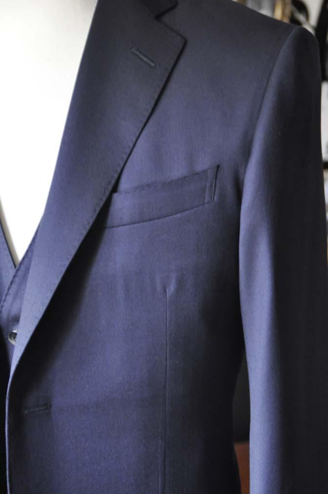 DSC0797-2 お客様のスーツの紹介-Biellesi 無地ネイビースリーピース-