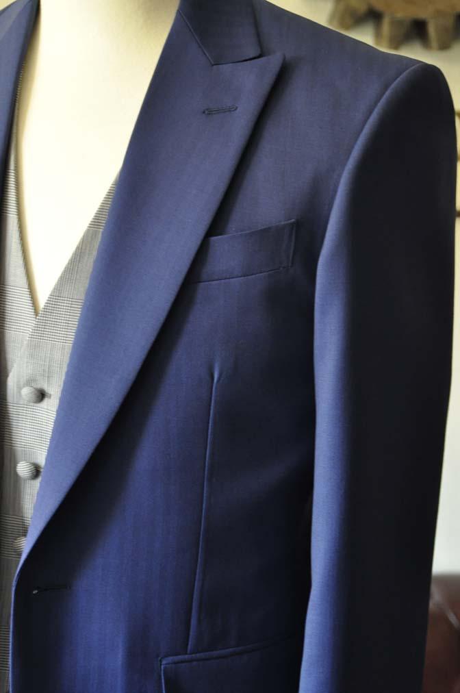 DSC0801-1 お客様のウエディング衣装の紹介- Biellesi ネイビーヘリンボーンスーツ グレーグレンチェックベスト- 名古屋の完全予約制オーダースーツ専門店DEFFERT