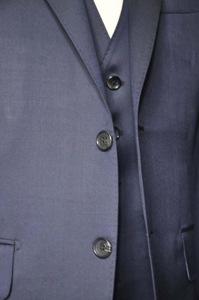 DSC0802-3 お客様のスーツの紹介-Biellesi 無地ネイビースリーピース-