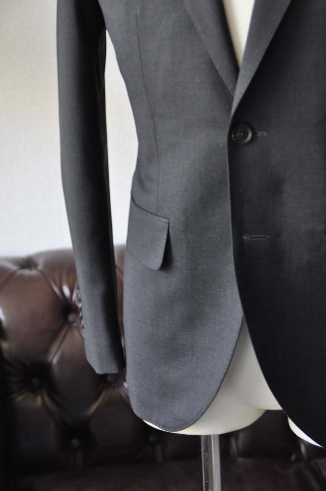 DSC0809-4 お客様のスーツの紹介-Biellesiチャコールグレースーツ-