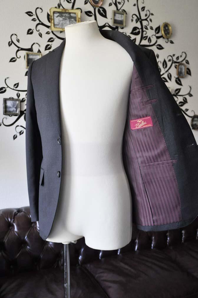 DSC0811-4 お客様のスーツの紹介-Biellesiチャコールグレースーツ-