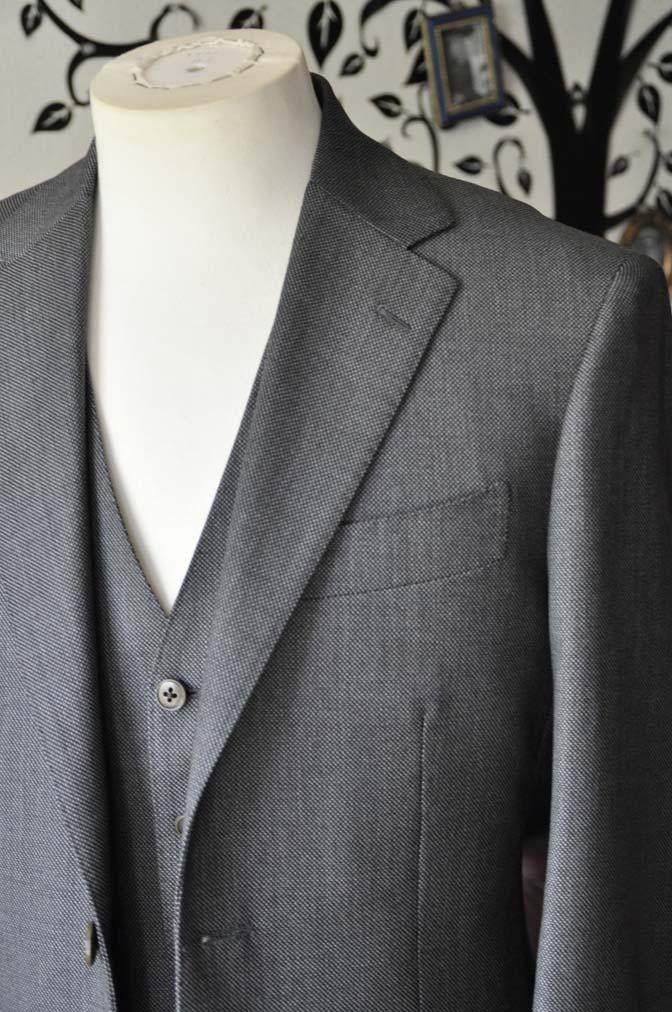 DSC0816-5 お客様のスーツの紹介-Biellesiグレーバーズアイスリーピース- 名古屋の完全予約制オーダースーツ専門店DEFFERT