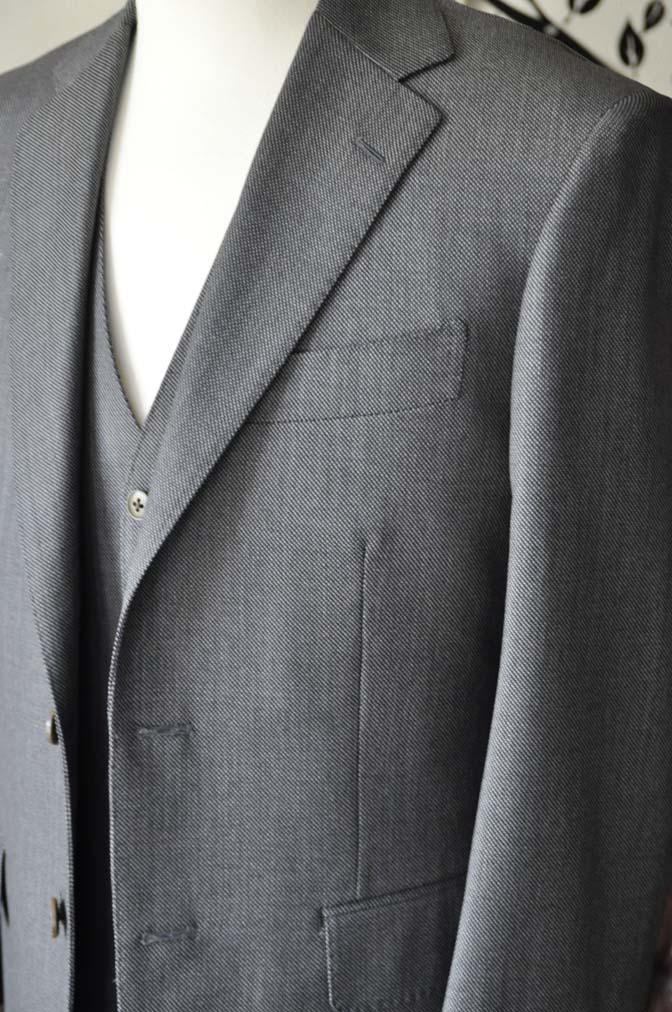 DSC0817-4 お客様のスーツの紹介-Biellesiグレーバーズアイスリーピース- 名古屋の完全予約制オーダースーツ専門店DEFFERT