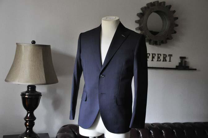 DSC0818-2 お客様のスーツの紹介- Biellesi ネイビーストライプスーツ- 名古屋の完全予約制オーダースーツ専門店DEFFERT