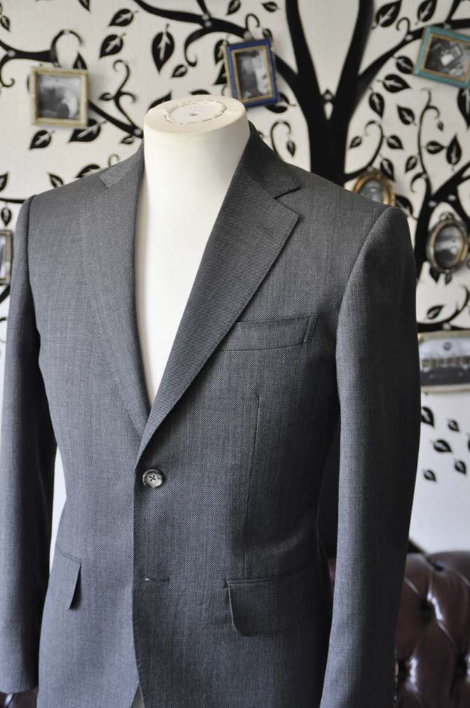 DSC0818-3 お客様のスーツの紹介-Biellesiグレーバーズアイ スーツ-