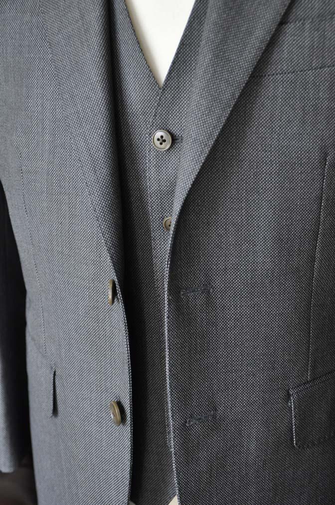 DSC0818-4 お客様のスーツの紹介-Biellesiグレーバーズアイスリーピース- 名古屋の完全予約制オーダースーツ専門店DEFFERT