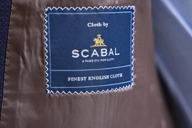 DSC08272 オーダースーツの紹介-SCABAL TORNADOネイビーダブルスーツ-