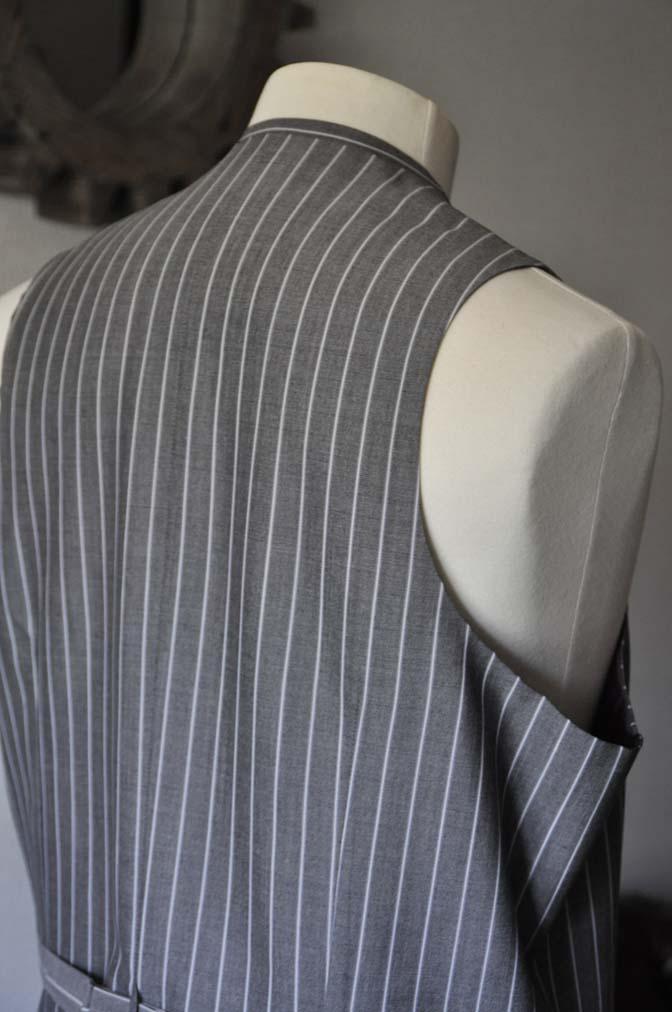 DSC0828-1 お客様のウエディング衣装の紹介-Biellesi ネイビースーツ グレーストライプベスト-DSC0828-1 お客様のウエディング衣装の紹介-Biellesi ネイビースーツ グレーストライプベスト- 名古屋市のオーダータキシードはSTAIRSへ