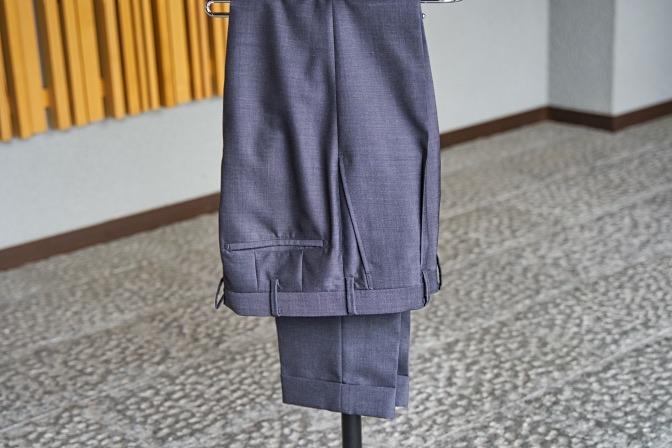 DSC08289 オーダースーツの紹介-LASSIERE MILLS  ネイビーグレーモヘア混スーツ-