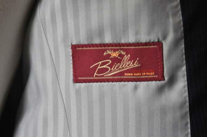 DSC0829-2 お客様のスーツの紹介- Biellesi ネイビーストライプスーツ- 名古屋の完全予約制オーダースーツ専門店DEFFERT
