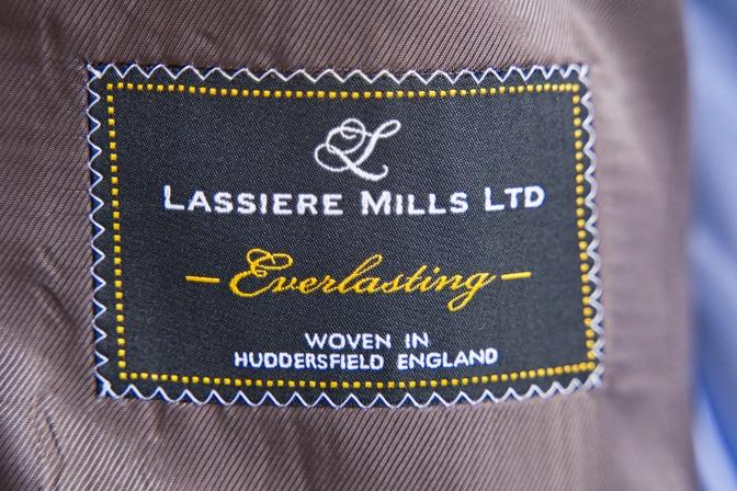 DSC08291 オーダースーツの紹介-LASSIERE MILLS  ネイビーグレーモヘア混スーツ-
