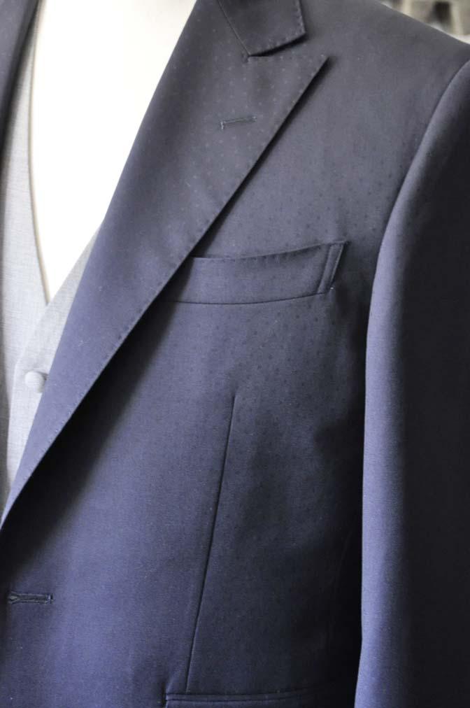 DSC0839-1 お客様のウエディング衣装の紹介-Biellesi ネイビードットスーツ グレーベスト-