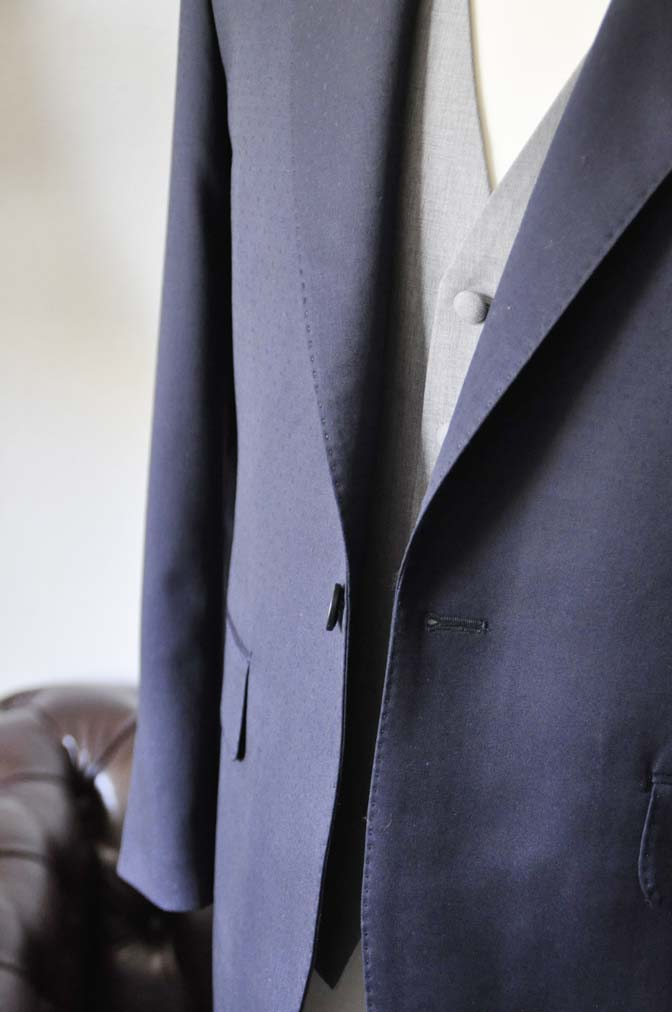 DSC0840-1 お客様のウエディング衣装の紹介-Biellesi ネイビードットスーツ グレーベスト-