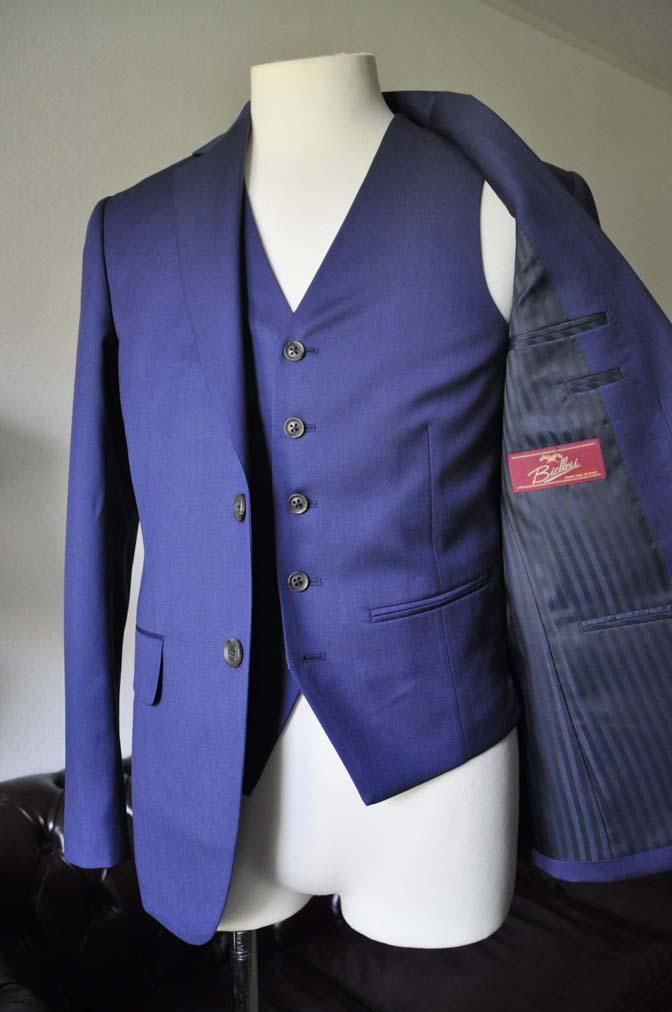 DSC0840-2 お客様のウエディング衣装の紹介-Biellesi ネイビースーツ ストライプベスト-