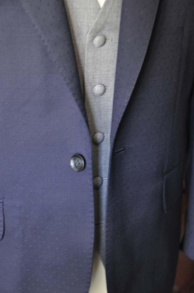 DSC0841-1 お客様のウエディング衣装の紹介-Biellesi ネイビードットスーツ グレーベスト-