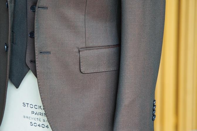 DSC08437 オーダースーツの紹介-Savile Cliffordブラウンスリーピーススーツ-