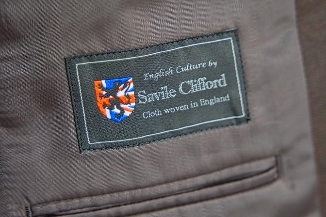 DSC08443 オーダースーツの紹介-Savile Cliffordブラウンスリーピーススーツ-