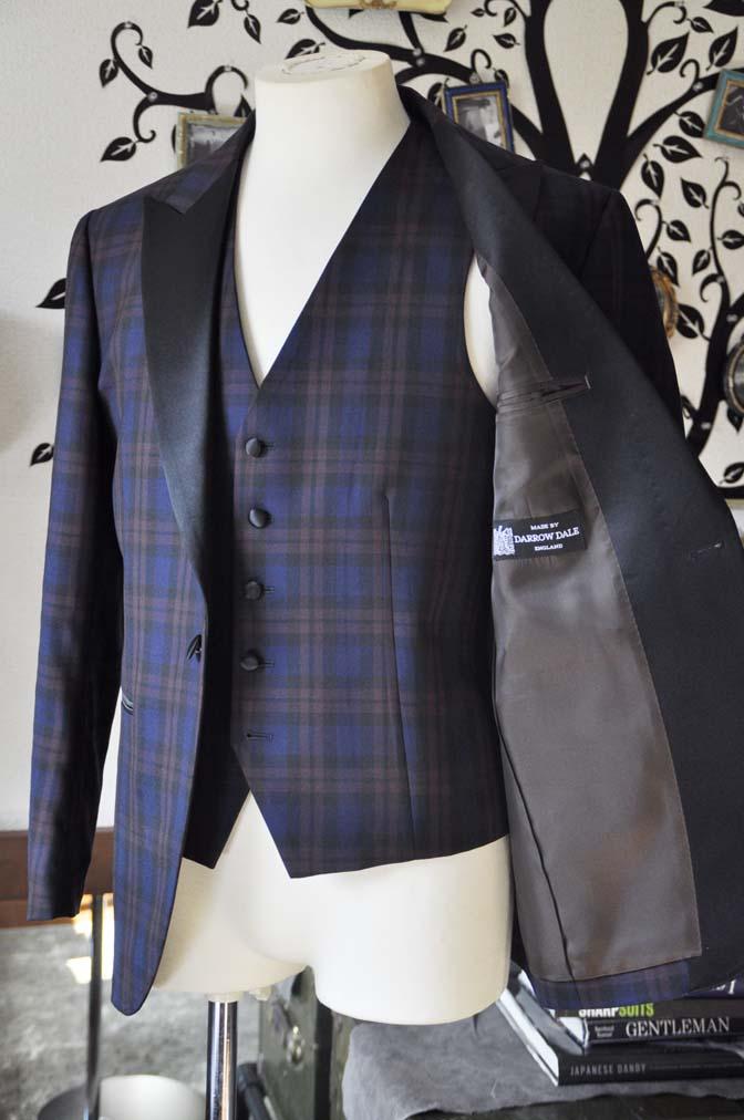 DSC0852-3 お客様のウエディング衣装の紹介- DARROWDALEネイビー/ブラウンチェックタキシードジャケット-DSC0852-3 お客様のウエディング衣装の紹介- DARROWDALEネイビー/ブラウンチェックタキシードジャケット- 名古屋市のオーダータキシードはSTAIRSへ