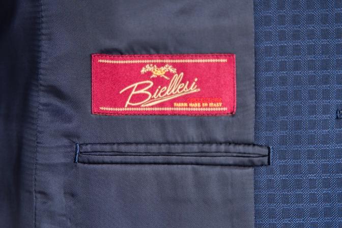 DSC08524 オーダースーツの紹介-Biellesiネイビーチェックスリーピーススーツ-
