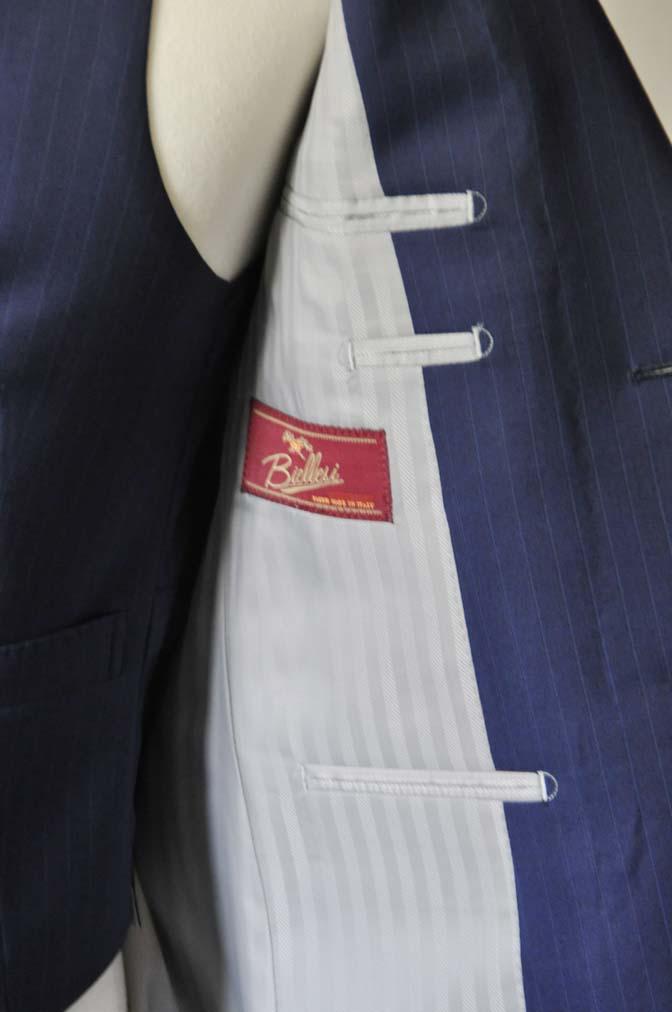 DSC0854-1 お客様のスーツの紹介- Biellesi ネイビーストライプ スリーピース- 名古屋の完全予約制オーダースーツ専門店DEFFERT