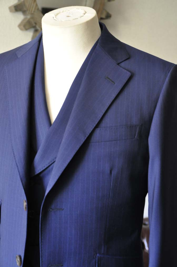 DSC0857-1 お客様のスーツの紹介- Biellesi ネイビーストライプ スリーピース- 名古屋の完全予約制オーダースーツ専門店DEFFERT