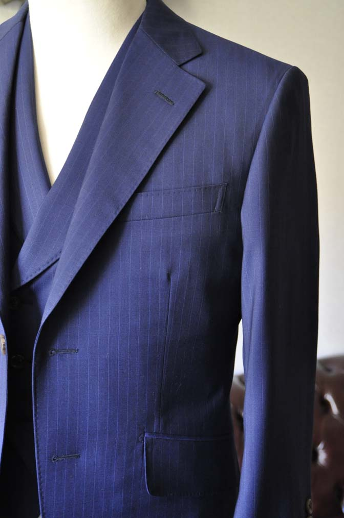 DSC0858-1 お客様のスーツの紹介- Biellesi ネイビーストライプ スリーピース- 名古屋の完全予約制オーダースーツ専門店DEFFERT