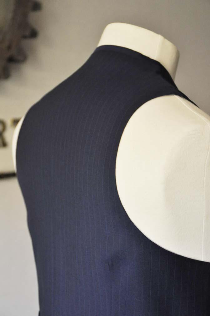 DSC0867-1 お客様のスーツの紹介- Biellesi ネイビーストライプ スリーピース- 名古屋の完全予約制オーダースーツ専門店DEFFERT