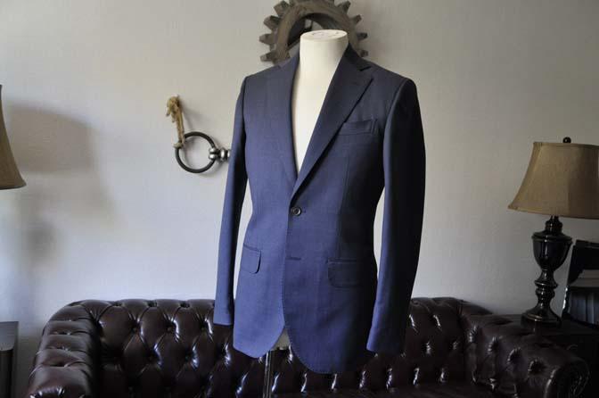DSC0870-1 お客様のスーツの紹介- Biellesi 無地ネイビースリーピーススーツ-