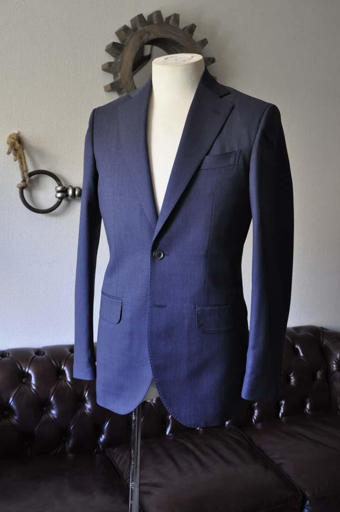 DSC0871-1 お客様のスーツの紹介- Biellesi 無地ネイビースリーピーススーツ-