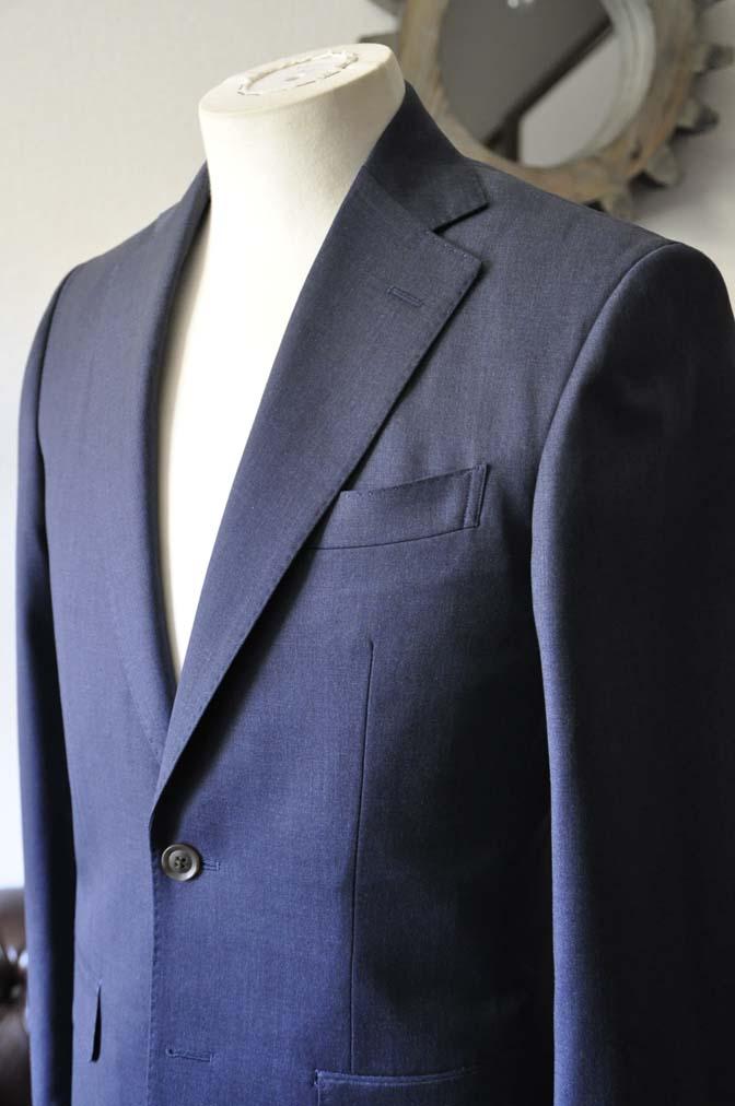 DSC0872-1 お客様のスーツの紹介- Biellesi 無地ネイビースリーピーススーツ-