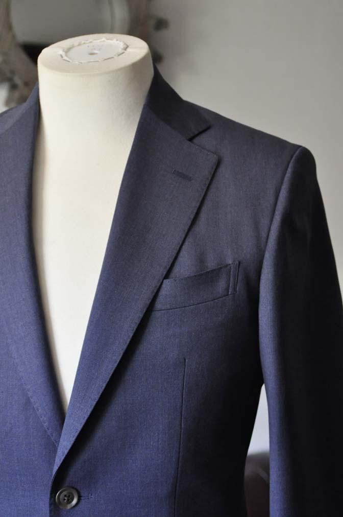 DSC0873-1 お客様のスーツの紹介- Biellesi 無地ネイビースリーピーススーツ-