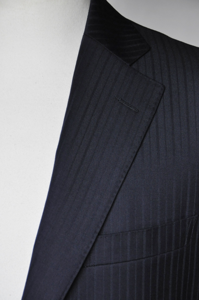 DSC08741 お客様のスーツの紹介-御幸毛織 ネイビーストライプスーツ-