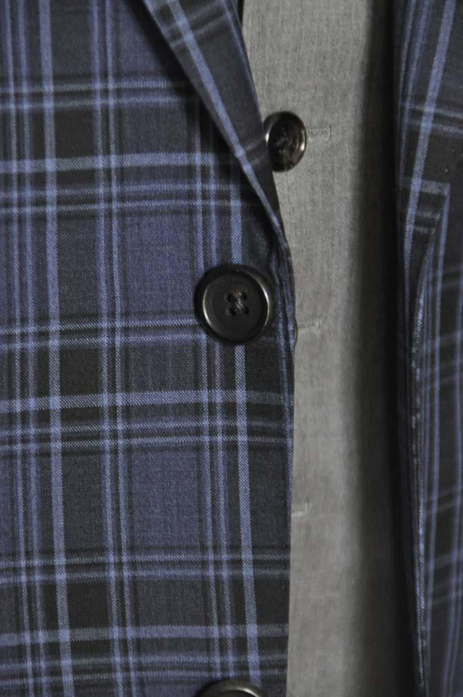 DSC08752 お客様のウエディング衣装の紹介-CANONICOネイビーチェックスーツ グレーベスト-