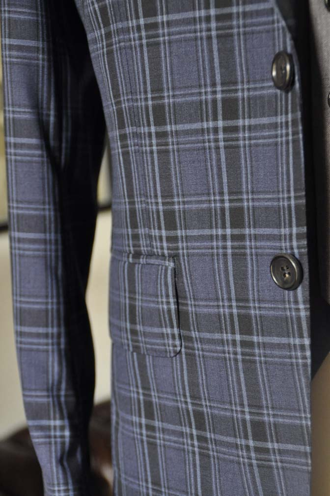 DSC08761 お客様のウエディング衣装の紹介-CANONICOネイビーチェックスーツ グレーベスト-